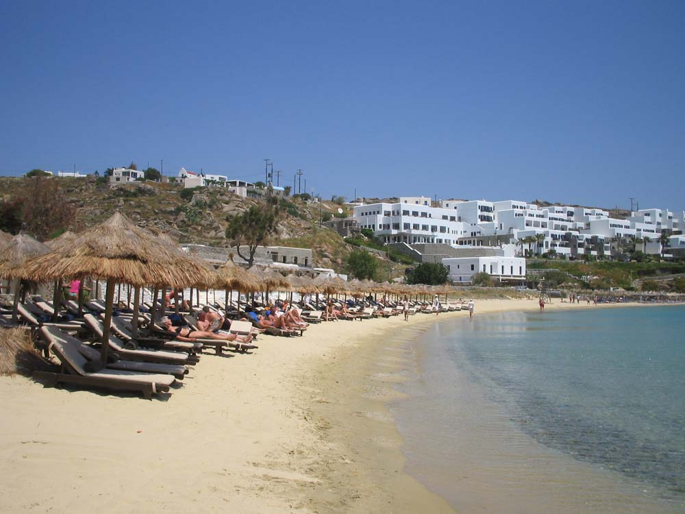Best places to party in Greece